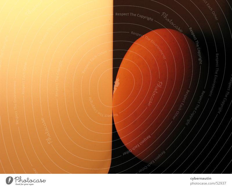 anlehnungsbedürftiges Ei weiß orange eckig Oval