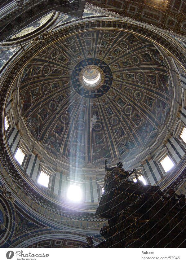 Die Erleuchtung? Sommer Religion & Glaube Rom Eindruck Kuppeldach Lichtstrahl Petersdom