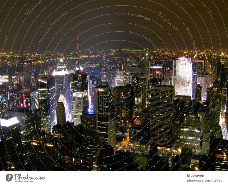 New York City - vom Empire aus Nacht Hochhaus Skyline