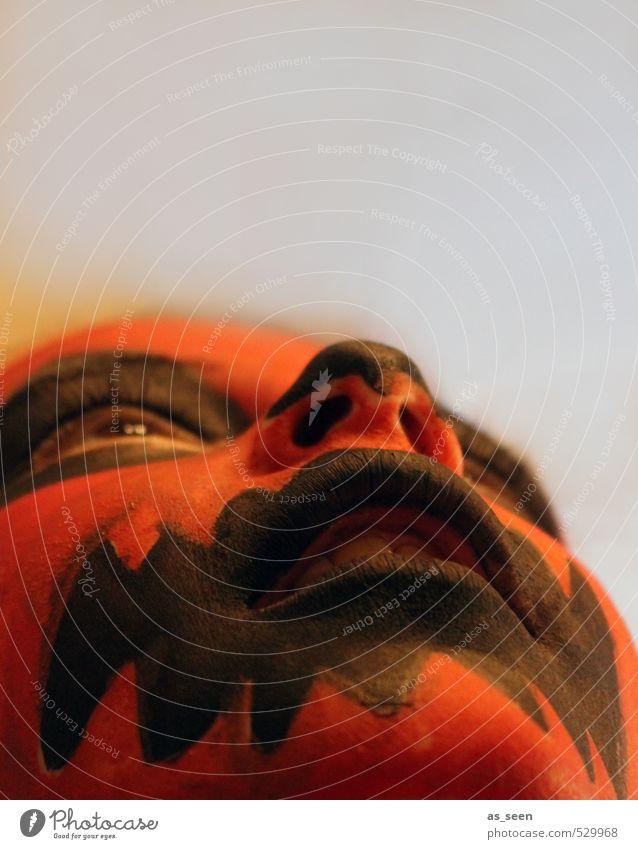 Feuermaske Mensch Kind Farbe rot Mädchen Gesicht Gefühle Junge Tod Religion & Glaube außergewöhnlich Kunst orange Kindheit ästhetisch beobachten