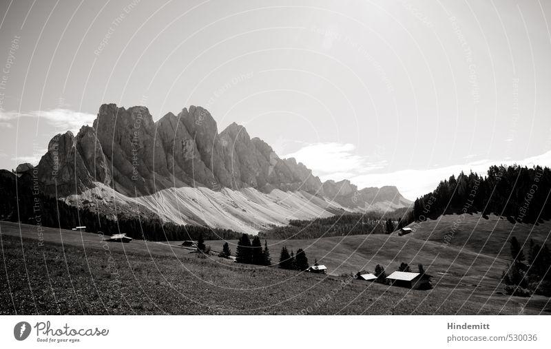 Majestät Himmel Natur Sommer Wolken Haus Wald Umwelt Berge u. Gebirge Wiese klein Felsen Zufriedenheit leuchten groß stehen hoch