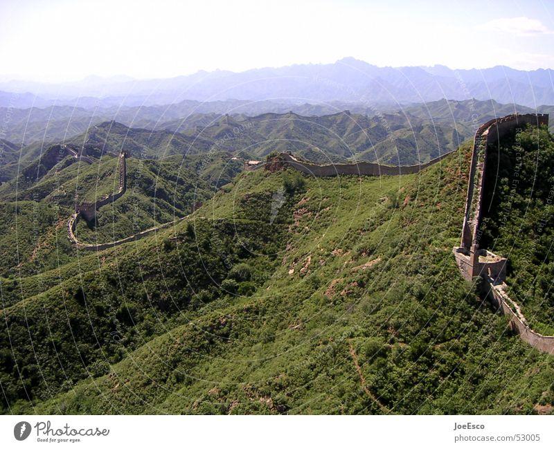 chinesische mauer Ferne Berge u. Gebirge Wald Mauer Wand groß China Chinesische Mauer Aussicht Grenze Fernost Asien weltwunder Reisefotografie