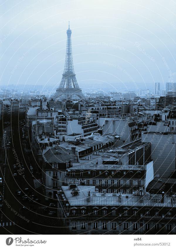 Paris, nicht Hilton,  from the block 2 Tour d'Eiffel Arc de Triomphe Frankreich Stadt Haus Block Horizont schwarz Dach Kreis Stahl Wolken trüb Blick Aussicht