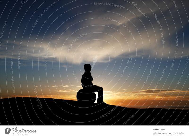 Sitz Ball Lifestyle Stil Freude Erholung ruhig Meditation Freizeit & Hobby Ferien & Urlaub & Reisen Ausflug Ferne Freiheit Berge u. Gebirge Mensch maskulin Mann