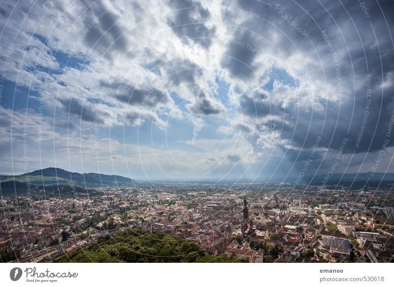 Freiburg Himmel Ferien & Urlaub & Reisen blau Stadt Landschaft Wolken Haus Ferne Gebäude Horizont Deutschland Wetter Tourismus hoch Kirche Turm