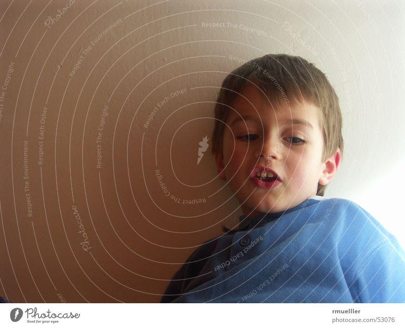Fachgesimpel Kind Porträt Freizeit & Hobby sprechen Geborgenheit plappern Freude Glück Sprache