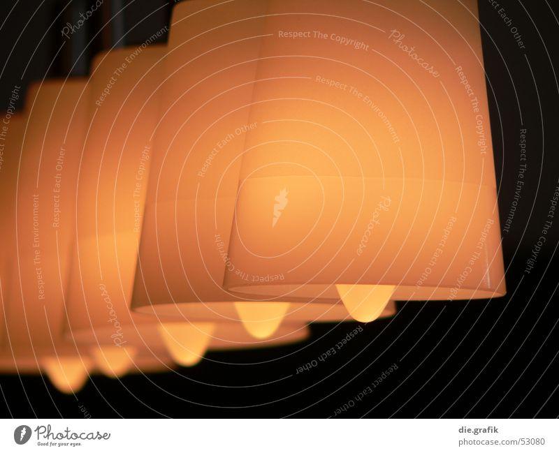 fünf mal licht gelb Lampe Wärme hell Raum Beleuchtung Wohnung gold Lifestyle Dekoration & Verzierung Physik Häusliches Leben Innenarchitektur 5 Möbel