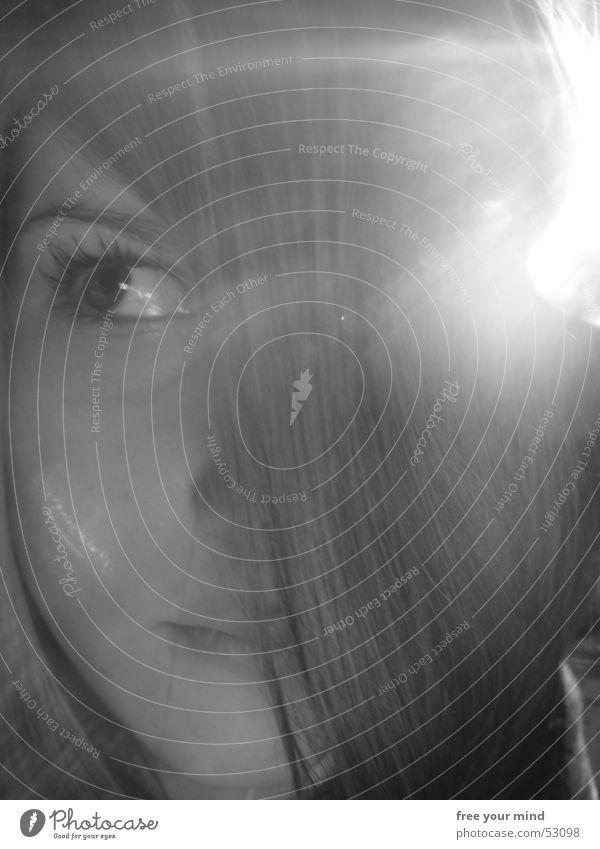 Roxy im Licht Frau Sonne Gesicht Auge Haare & Frisuren Blende