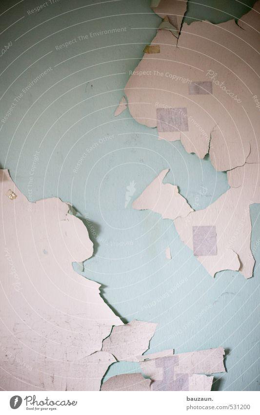 weltkarte. blau alt weiß Wand Farbstoff Mauer Fassade Häusliches Leben Armut Vergänglichkeit Wandel & Veränderung streichen Beruf Fabrik Verfall Ende
