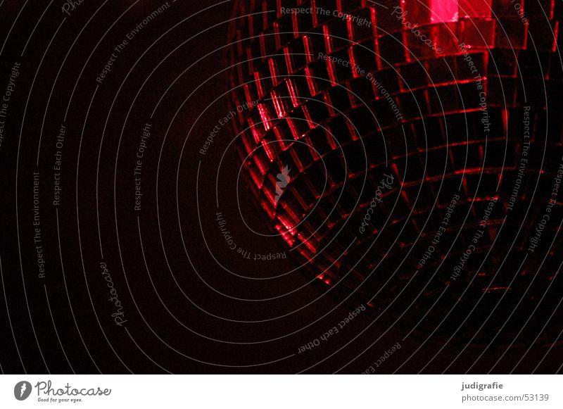 Rotes Licht rot schwarz Spiegel Discokugel Reflexion & Spiegelung Party Mosaik dunkel Kugel