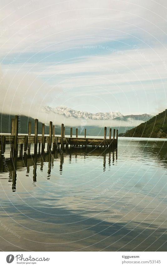 Und jetzt baden... Wasser ruhig Wolken Einsamkeit kalt Schnee Berge u. Gebirge Holz See Bar Klarheit Norden Neuseeland Dublin Holzmehl Südinsel