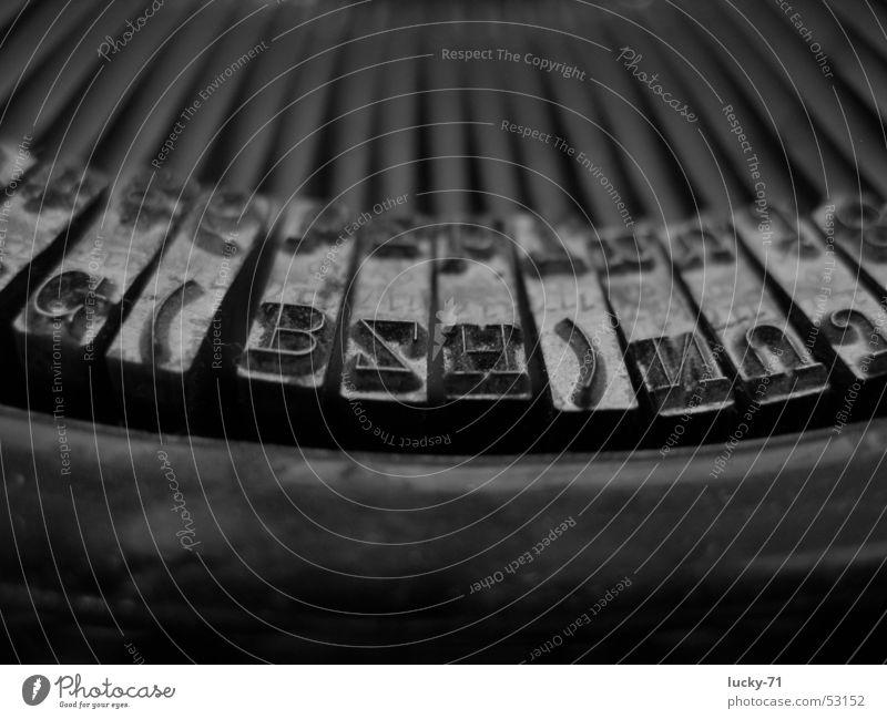 Mercedes alt Technik & Technologie Schreibmaschine