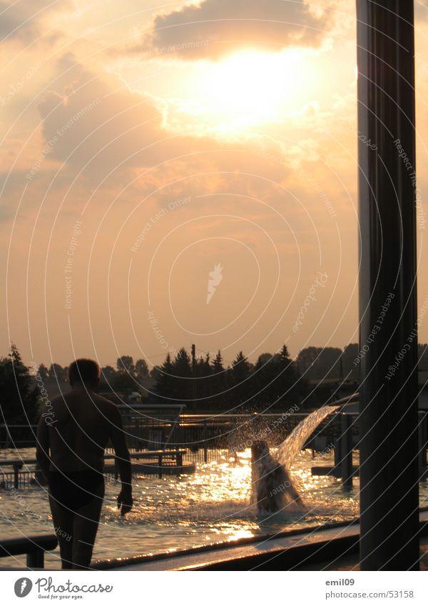 warmduscher Sonnenuntergang Freibad Schwimmbad Wassermassage Schwimmen & Baden Dusche (Installation) Wellness Unter der Dusche (Aktivität)
