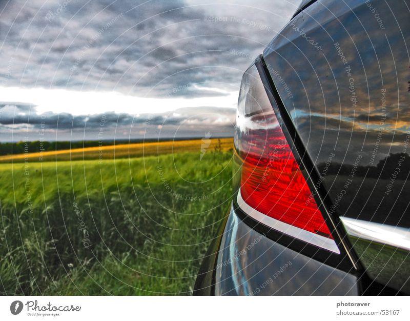 Reflection Natur Himmel rot schwarz Wolken Herbst PKW Feld Korn Lack Weizen Chrom Rücklicht Bremslicht Vauxhall