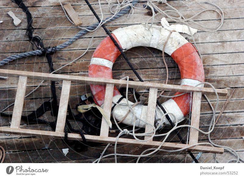 Rescue02 rot Meer Strand Seil Schnur Geländer Schifffahrt chaotisch Leiter Flur Rettung Wasserfahrzeug Rettungsring Schiffsplanken Bodensee Leitersprosse