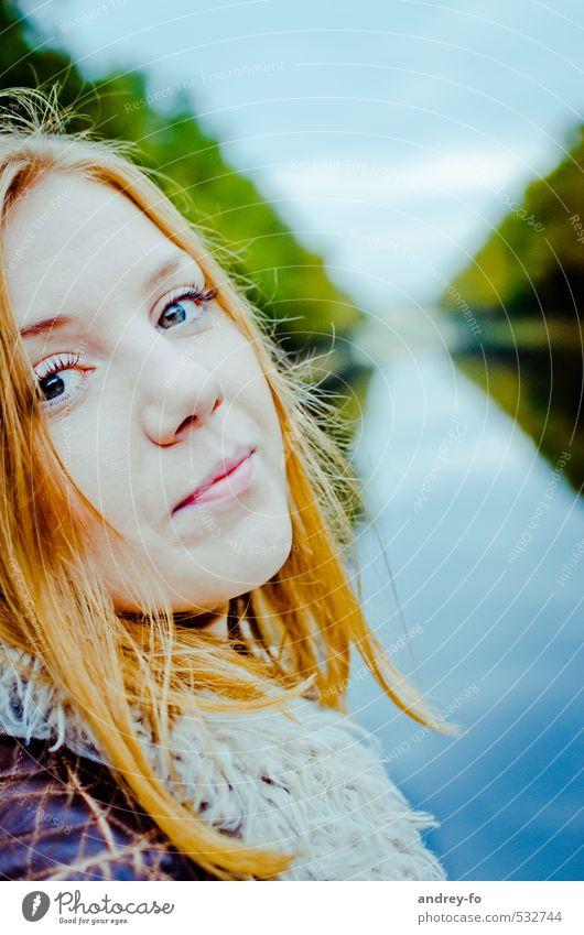 Portrait Mensch Frau Kind Himmel Jugendliche schön Junge Frau 18-30 Jahre Gesicht Erwachsene Leben Liebe feminin Gefühle Haare & Frisuren elegant