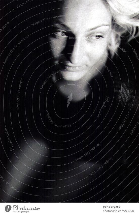 Portrait in Schwarz-Weiss Frau Romantik