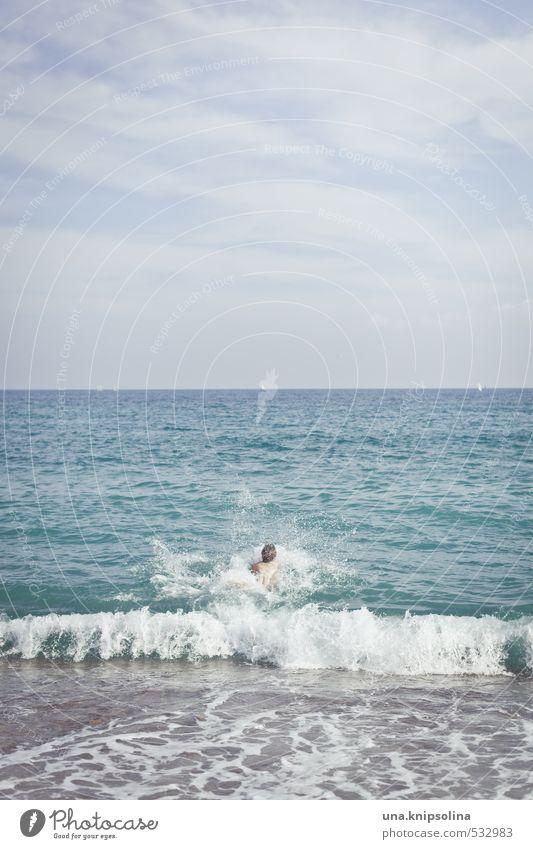 bauchklatscher Ferien & Urlaub & Reisen Sommerurlaub Strand Meer Wellen Mann Erwachsene 1 Mensch Umwelt Landschaft Wasser Schönes Wetter Küste Mittelmeer