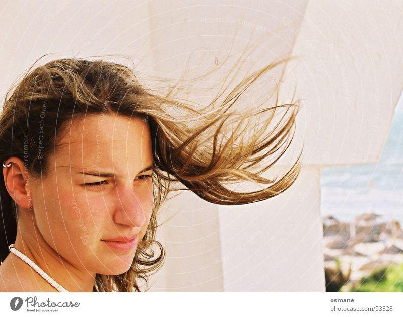 Wind... und Judith Frau Balkon Ferien & Urlaub & Reisen Strand Meer Luft Haare & Frisuren terasse briese Teile u. Stücke Natur Aussicht Blick wehen