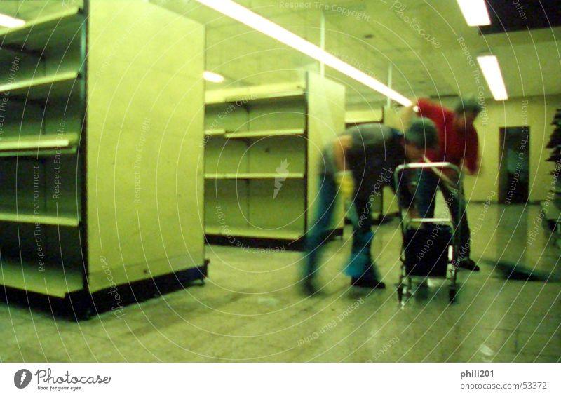Zuletzt II grün leer Ziel Reinigen Umzug (Wohnungswechsel) Neonlicht fließen Regal Supermarkt Raumpfleger Markt