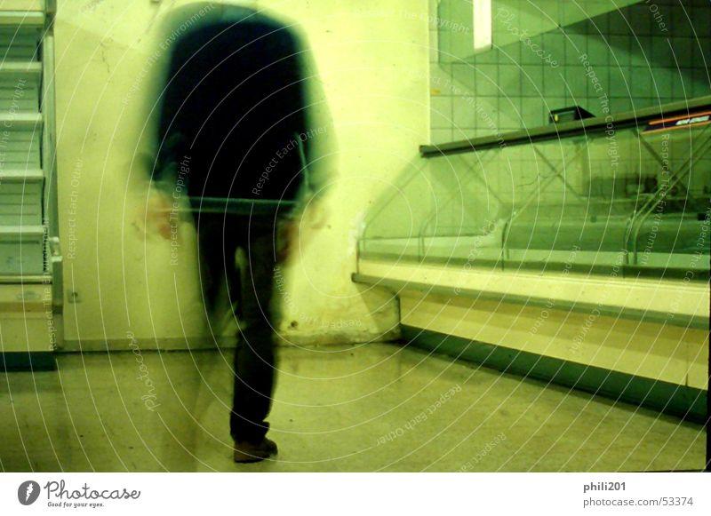 Zuletzt III Supermarkt Reinigen Raumpfleger leer Neonlicht Bewegungsunschärfe grün Regal fließen kaufen Ziel Theke Metzger Mann Umzug (Wohnungswechsel)