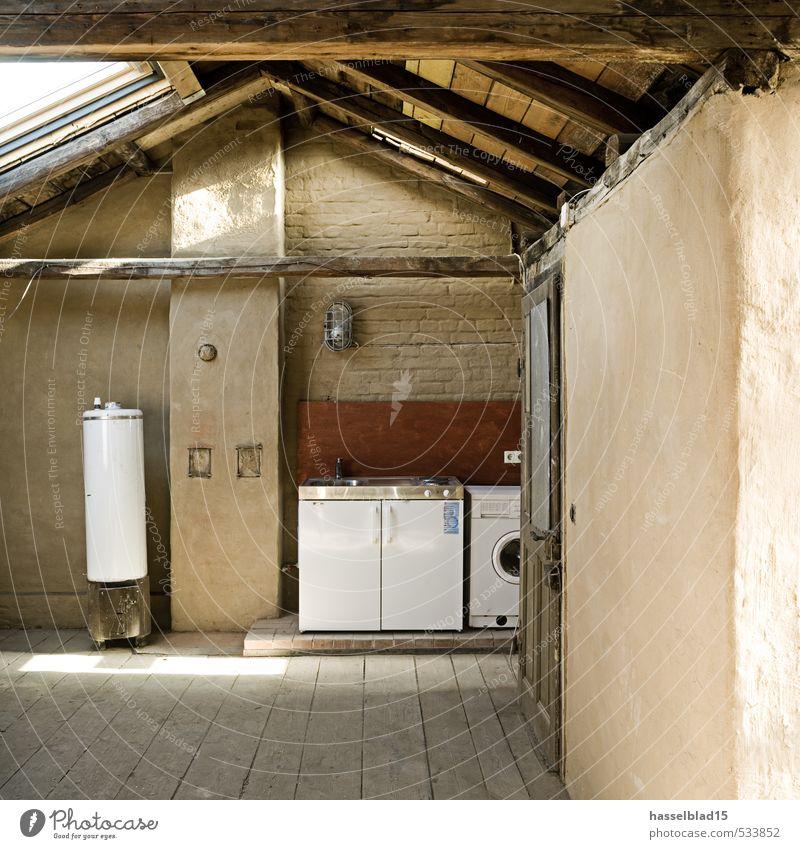 Roof Reichtum sparen Zufriedenheit ruhig Häusliches Leben Haus Hausbau Renovieren einrichten Innenarchitektur Raum Dachboden Hütte Ruine Gebäude Architektur