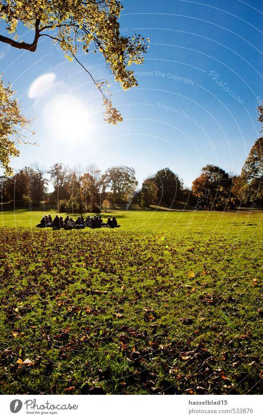Sit.in Mensch Kind Ferien & Urlaub & Reisen Jugendliche Sommer Erholung Freude 18-30 Jahre Erwachsene Frühling Wiese Lifestyle Glück Feste & Feiern Freiheit Menschengruppe