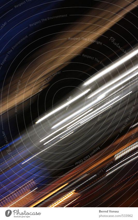 mobile blau Stadt weiß schwarz dunkel Bewegung Zeit Linie braun Deutschland orange gold Geschwindigkeit Neigung Straßenbeleuchtung Stadtzentrum