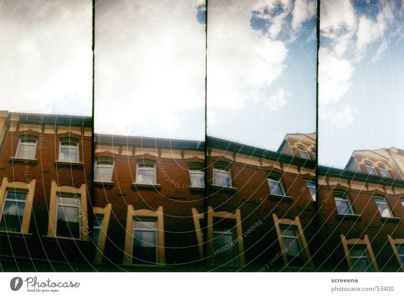 Panoramic Haus rot Fenster Gardine Wolken Reflexion & Spiegelung Leipzig Himmel Lomografie supersampler blau