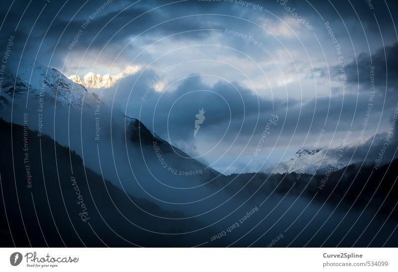 Glühende Gipfel Natur Landschaft Urelemente Himmel Gewitterwolken Sonnenlicht Herbst Wetter schlechtes Wetter Felsen Berge u. Gebirge Schneebedeckte Gipfel