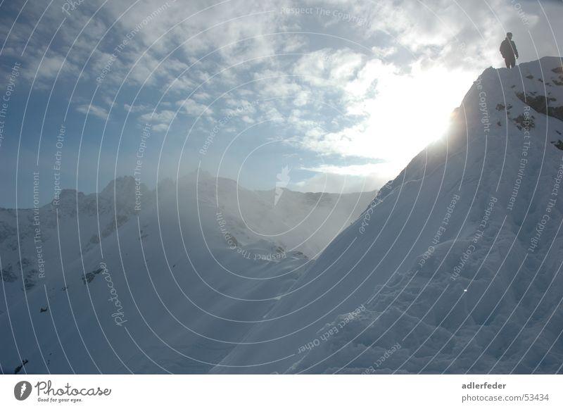 So Hoch Und Dennoch Erreichbar Mensch Himmel blau weiß Sonne Wolken Ferne Schnee Berge u. Gebirge oben klein groß Macht Alpen leicht Skifahrer