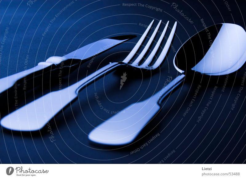 Spaten-Besteck blau schwarz dunkel Messer Gabel Löffel