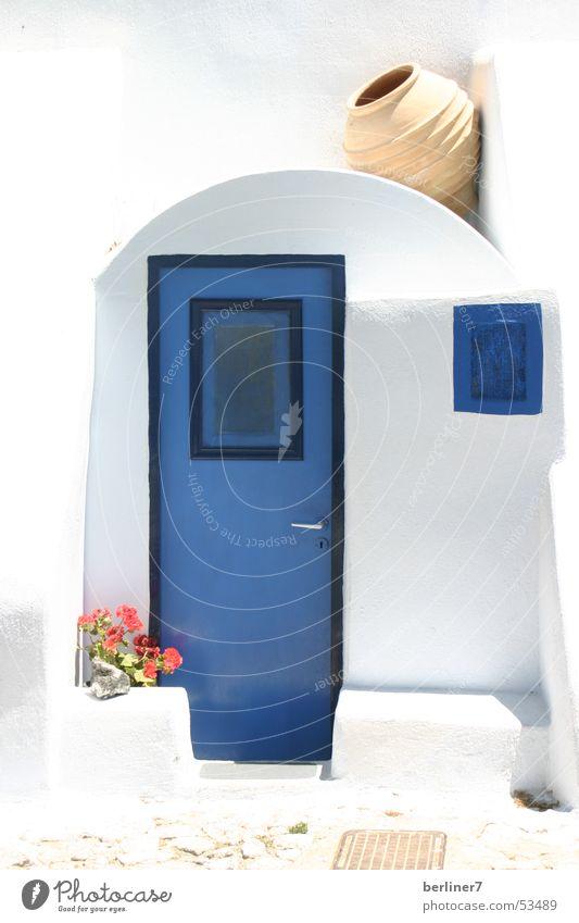 Tür nach Santorini Sommer Licht & Schatten Griechenland blau und weiss Mittelmeer