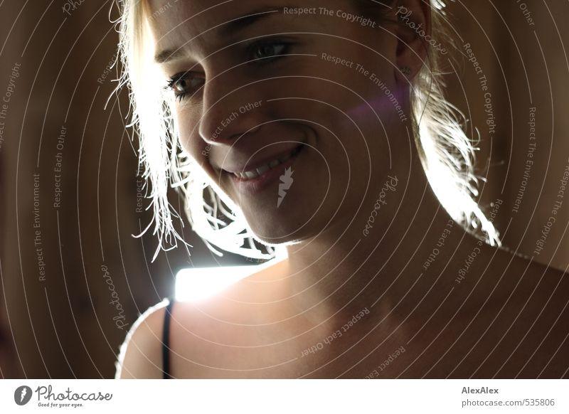 Mit Fahrrad Jugendliche schön Junge Frau 18-30 Jahre Gesicht Erwachsene Auge lachen Glück träumen glänzend blond authentisch Lächeln ästhetisch gut