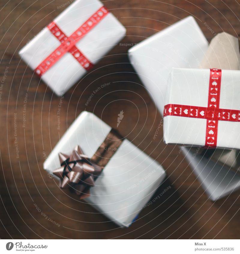 Überraschungen Reichtum Glück Feste & Feiern Muttertag Hochzeit Geburtstag Verpackung Paket Schleife Gefühle Stimmung Vorfreude Neugier Geschenk schenken