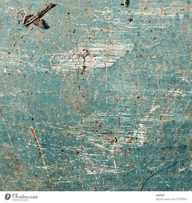Blaublech Metall alt dreckig nah trashig blau türkis Zahn der Zeit Textfreiraum Spuren Abnutzung Kratzer zerkratzen verwittert Farbstoff einfach Farbenmeer