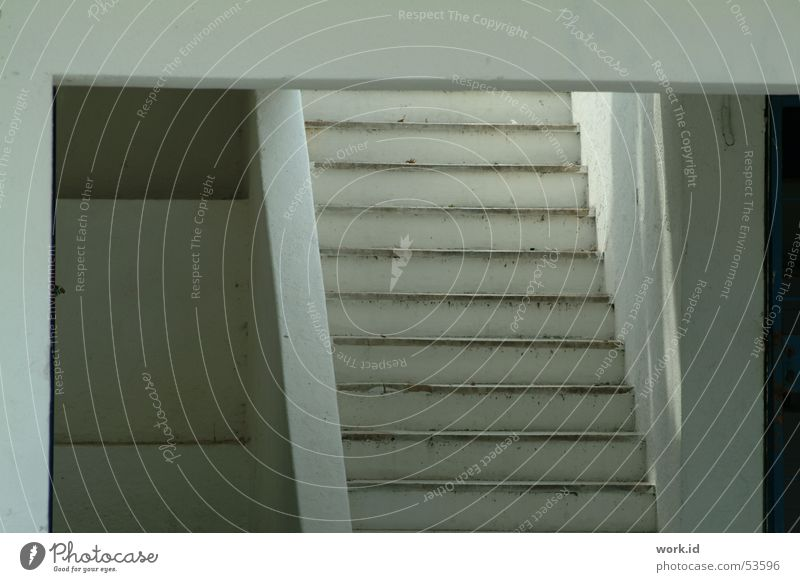 upstairs Durchblick Treppe Architektur