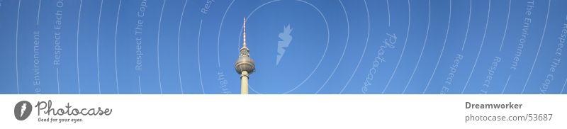 Fernsehturm Himmel blau Sommer Berlin groß Panorama (Bildformat) Berliner Fernsehturm Alexanderplatz