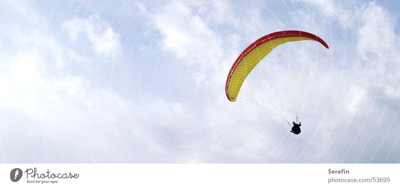 einfach nur ungebunden Gleitschirm Gleitschirmfliegen Luft Flugsportarten Freestyle Himmel Wolken Sport sky