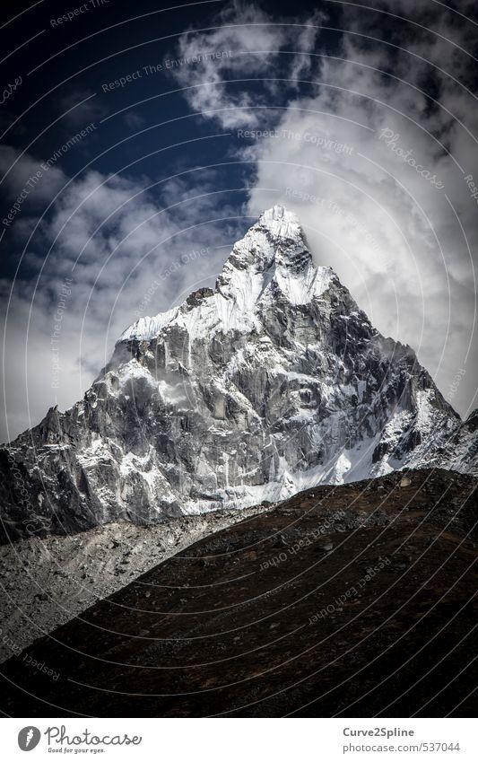 Ama Dablam Himmel Natur blau weiß Landschaft schwarz Ferne Berge u. Gebirge Schnee grau Eis Kraft Urelemente Frost Gipfel Unendlichkeit