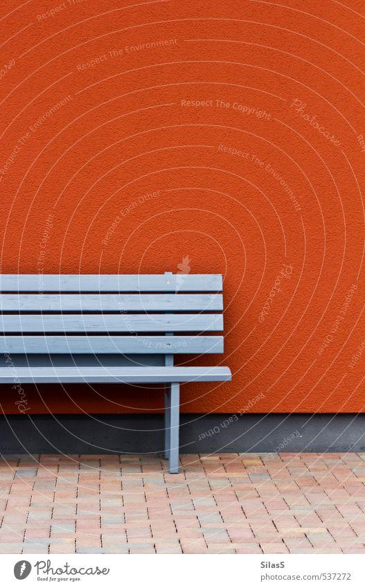 Geld anlegen Design Haus Mauer Wand Fassade Bankgebäude blau grau orange rot Erholung Risiko Sicherheit Farbfoto Außenaufnahme Menschenleer Tag