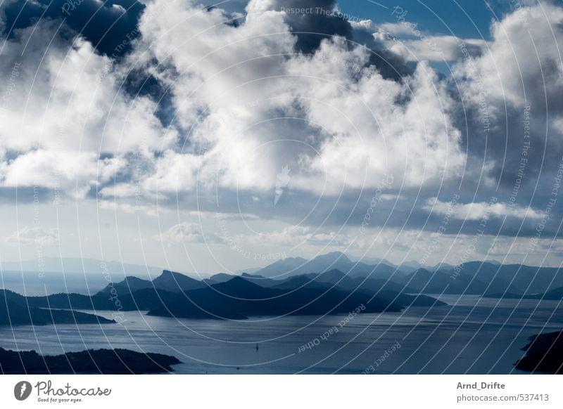 Schichten III Himmel Natur Ferien & Urlaub & Reisen blau weiß Wasser Sommer Meer Landschaft Wolken Strand schwarz Ferne dunkel Berge u. Gebirge Reisefotografie
