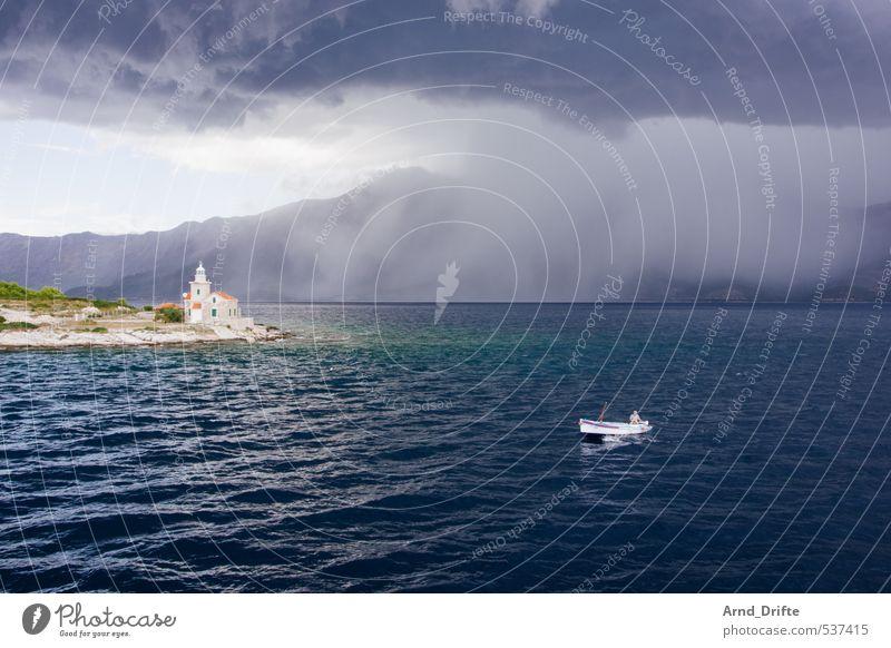 Das kann doch einen Seemann nicht erschüttern... Angeln Sommer Sommerurlaub Fischer Mensch maskulin Mann Erwachsene 1 Natur Landschaft Wasser Himmel Wolken