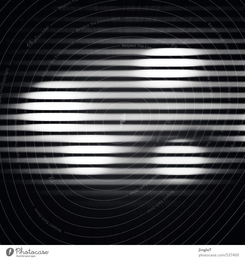 novemberlicht Leuchtdiode Lampe leuchten dunkel schwarz weiß Stress Nervosität Surrealismus Schwarzweißfoto Innenaufnahme Experiment Textfreiraum oben