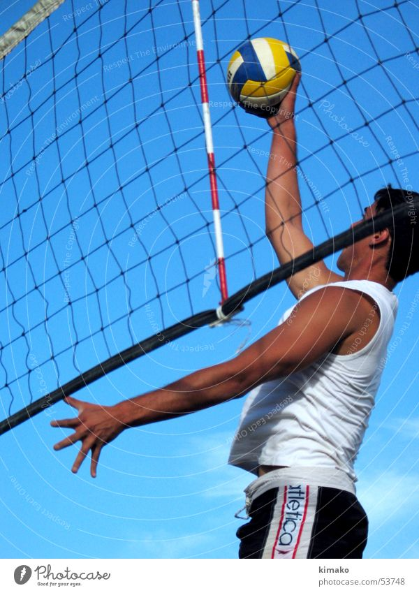 Beach Voley Strand Himmel Aktion Spielen Mann voley game Ball play man sky Kugel kimako