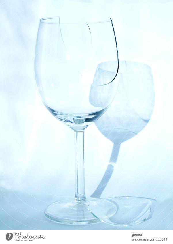 Autsch ! springen Glas kaputt Scherbe Splitter Weinglas