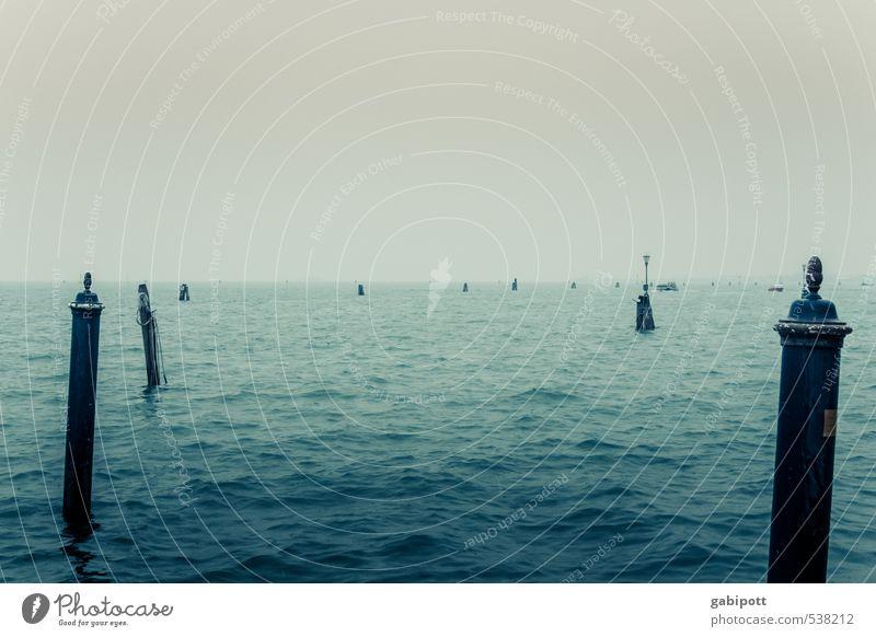 Bonjour Tristesse Landschaft Urelemente Wasser Himmel Herbst Winter schlechtes Wetter Wind Nebel Regen Wellen Küste Bucht Meer Venedig Verkehrswege
