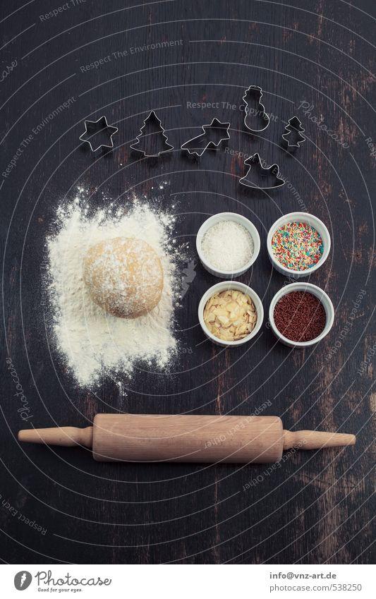Plätzchen Setup Weihnachten & Advent weiß Holz Feste & Feiern Lebensmittel Tisch Schalen & Schüsseln Backwaren Teigwaren Streusel Nudelholz