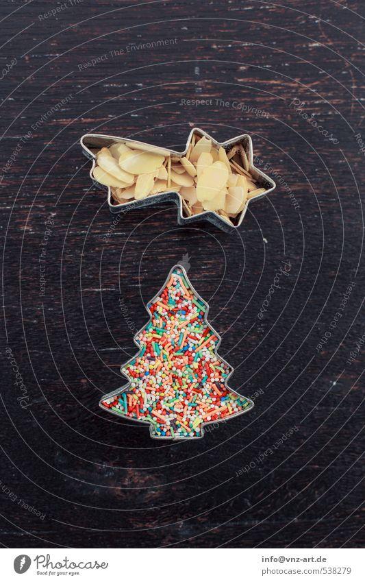 Zierde Feste & Feiern Weihnachten & Advent mehrfarbig Stern (Symbol) Sternschnuppe Weihnachtsbaum Mandel mandelsplitter Streusel ausstecher Plätzchen Tisch Holz