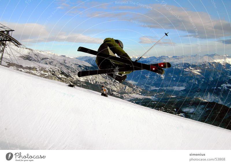 > - jump Halfpipe springen Flims Akrobatik Skier slope laax grap